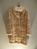 Palamino coat with canadian lynx collar - Approx size: M/S - Price: £5,200 (Ref C326)