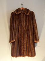 Mid brown short mink coat (76cm)